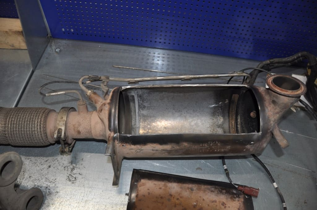 Замена сажевого фильтра Пежо в Екатеринбурге